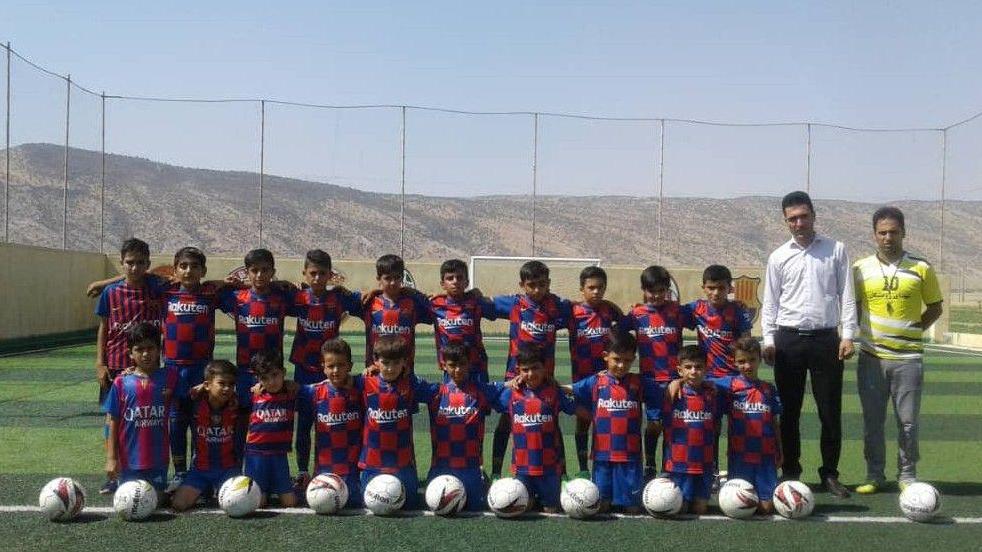 اشتغال و ورزش با مدرسهی فوتسال برکتِ رومشکان