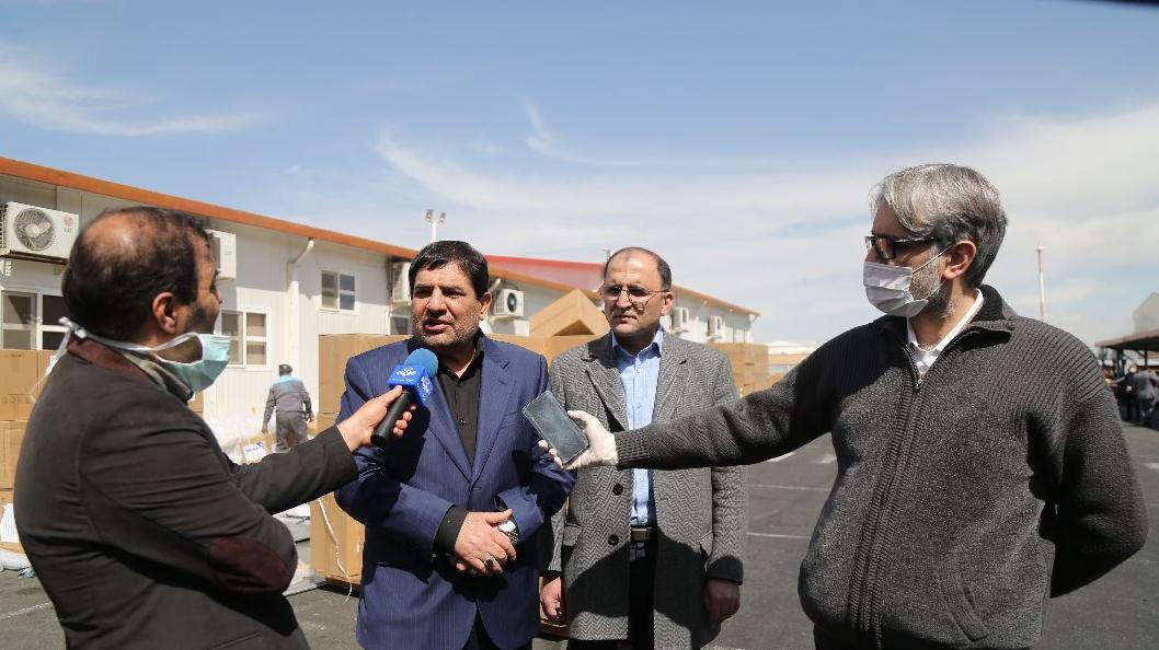 جهش ستاد اجرایی فرمان امام در تولید اقلام ضدکرونایی و خودکفا کردن کشور؛ تولید روزانه ۲.۵ میلیون ماسک و ۲۰هزار کیت در هفته