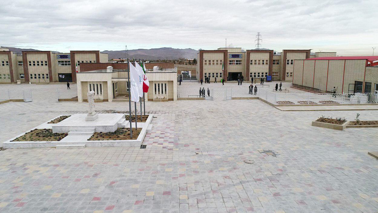 رفع کمبود فضاهای آموزشی در غرب اصفهان با کمک بنیاد برکت